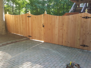 6' Cedar Concave Board on Board Fence with French Gothic Posts (Side View)